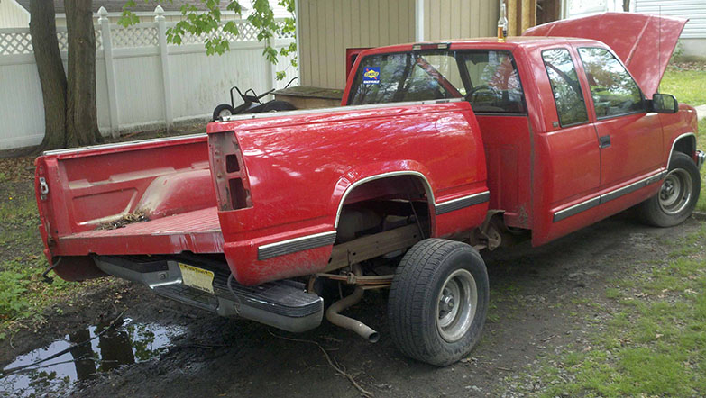 Chevy c1500 tailgate popped off and ready A